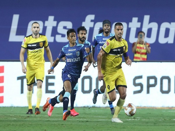 HFC attackers were kept quiet by the Kerala defence in the first half. (Image: ISL)