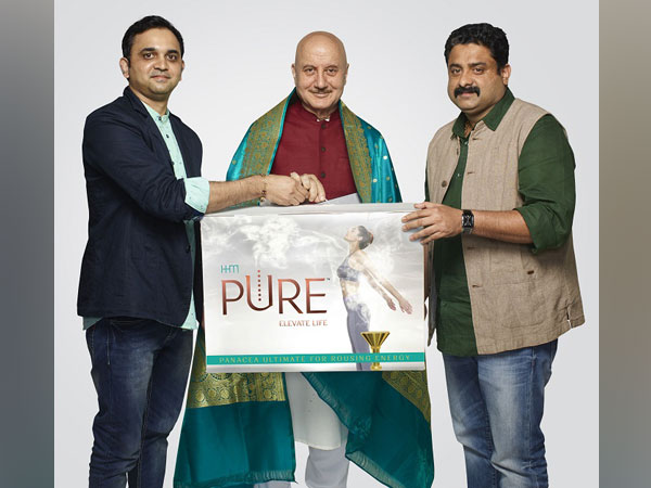 Anupam Kher with Jithin Jayakrishnan, MD & Co-Founder HHM, Rajesh Pattath Co-Founder & Director HHM.
