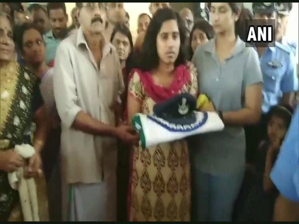 H Vinod's family members gathered for receiving his mortal remians in Coimbatore (photo/ANI)