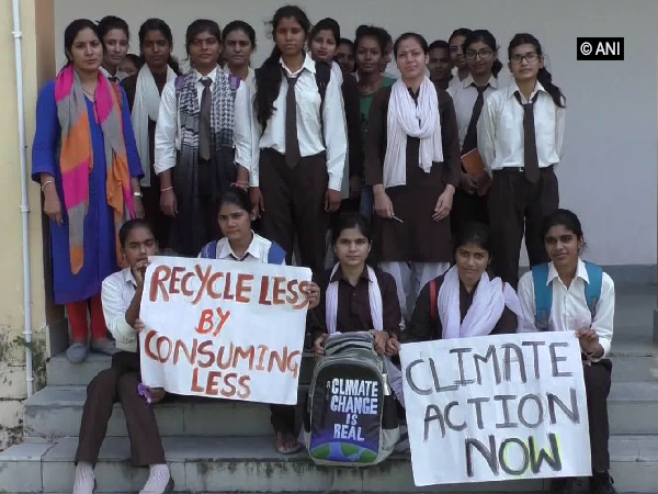 School students in Haldwani carry awareness programme on climate change on Sunday. (File photo)