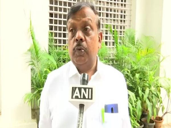 Congress MP L Hanumanthaiah speaking to ANI in Bengaluru on Sunday. Photo/ANI