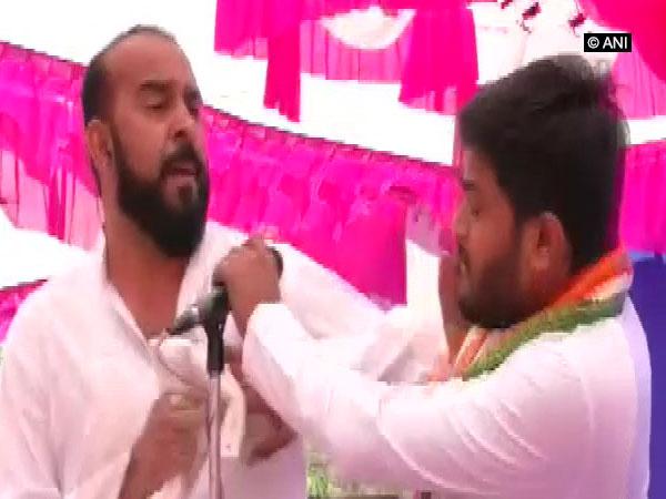 Congress leader Hardik Patel slapped at Jan Akrosh rally in Gujarat