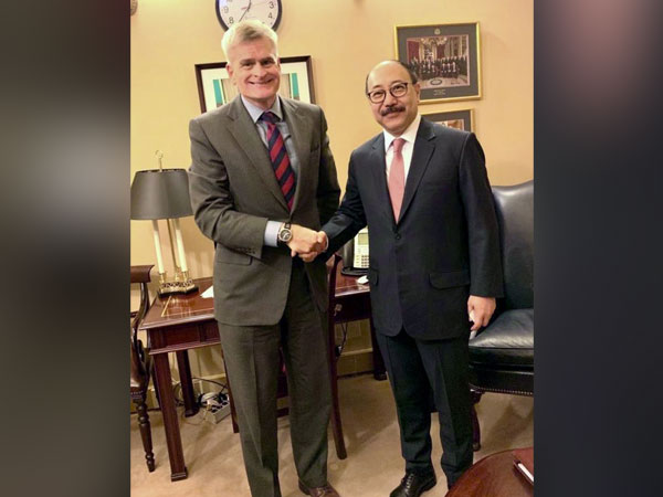 India ambassador to the US Harsh Vardhan Shringla with Louisiana Senator Bill Cassidy at Capitol Hill (Picture Credits: India in US/Twitter)