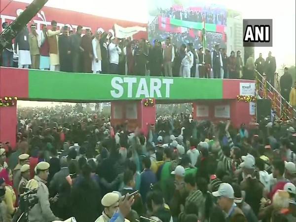 Chief Minister of Haryana Manohar Lal Khattar flagged off 'Run for Youth' marathon on Sunday in Rewari. (Photo/ANI)