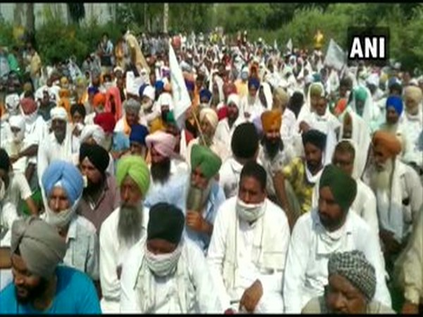 Farmers in Haryana stage 3-hour protest against Farm Bills. Photo/ANI