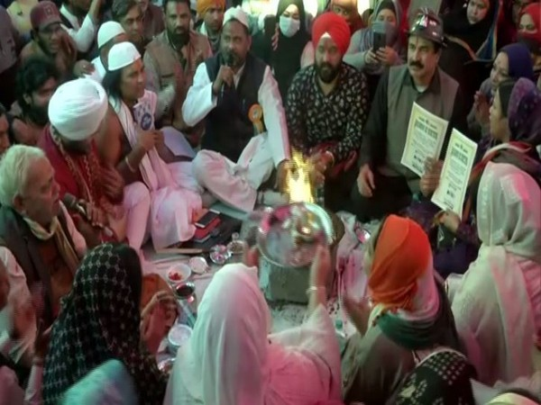 'Havan' was performed at Shaheen Bagh protest area on Thursday in New Delhi. Photo/ANI
