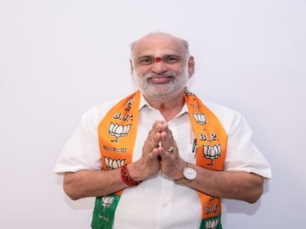 BJP candidate from Yellapur Assembly seat Shivaram Hebbar. Photo/Twitter