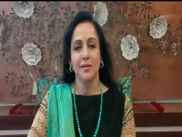 A still from the video shared by veteran actor Hema Malini (Image courtesy: Instagram)