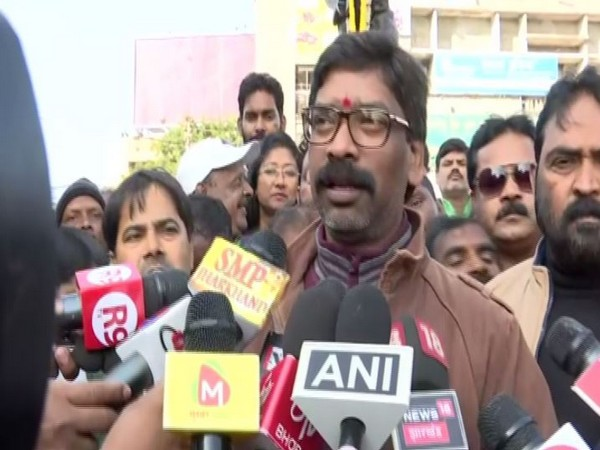 Jharkhand CM-designate Hemant Soren talking to reporters in Ranchi on Friday. Photo/ANI