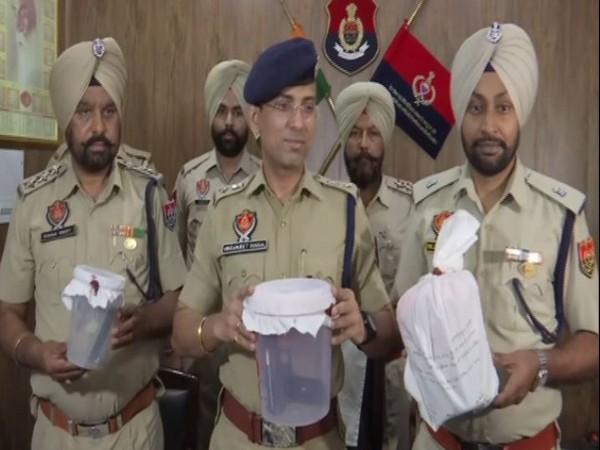 Amritsar Rural Police seized 1.275 kg heroin on Friday. (Photo/ANI)