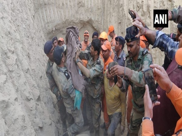 The rescue team after successfully conducting the operation in Hisar on Friday. Photo: ANI