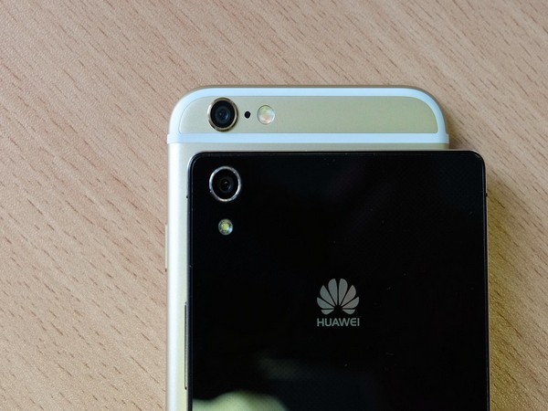 Huawei barred from using SD cards in future devices