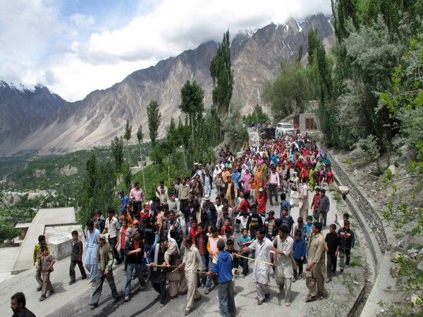 Hunza protest against the formation of an artificial lake at Attabad. (Reuters)