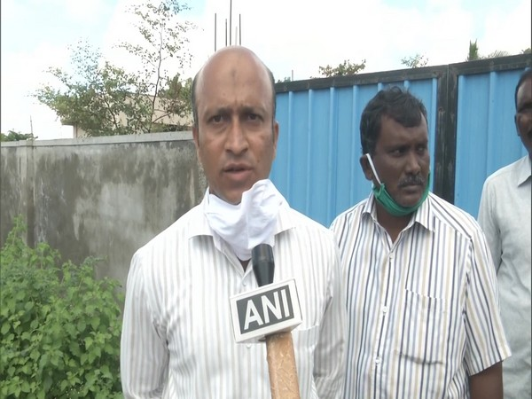 Saqawat Hussain, a veterinary officer at Kalaburagi City Corporation speaking to ANI. (Photo/ANI)