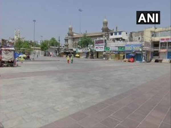 Mosque remain closed due to COVID-19 lockdown in Hyderabad on Monday. Photo/ANI