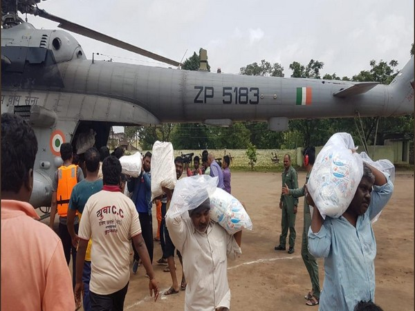 Indian Air Force(IAF) providing relief material to Kolhapur district on Tuesday(Photo/ANI)