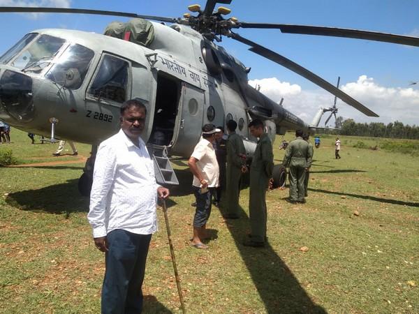 IAF Mi-17 chopper after making an emergency landing near Srirangapatna on Wednesday.