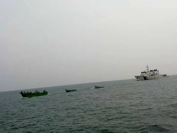 Visual of Indian Coast Guard rescuing Tamil Nadu fishing boat 'Mercedes' (Photo/Twitter)