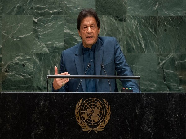 Pakistan Prime Minister Imran Khan addressing the UNGA in New York on Friday. (Photo Credits: Reuters)