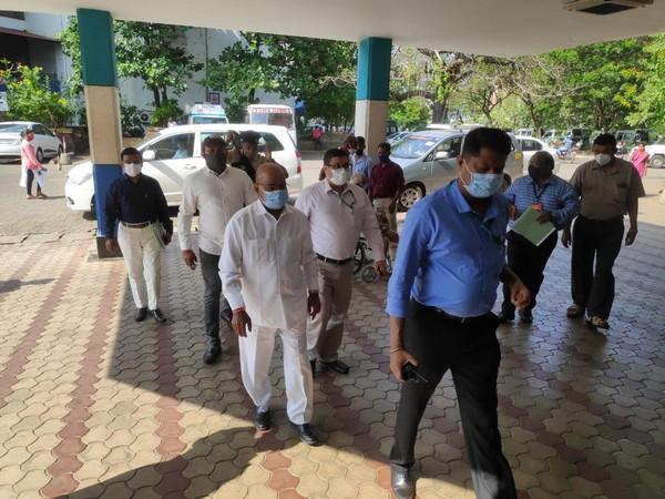 Thaawar Chand Gehlot at Goa Medical College.