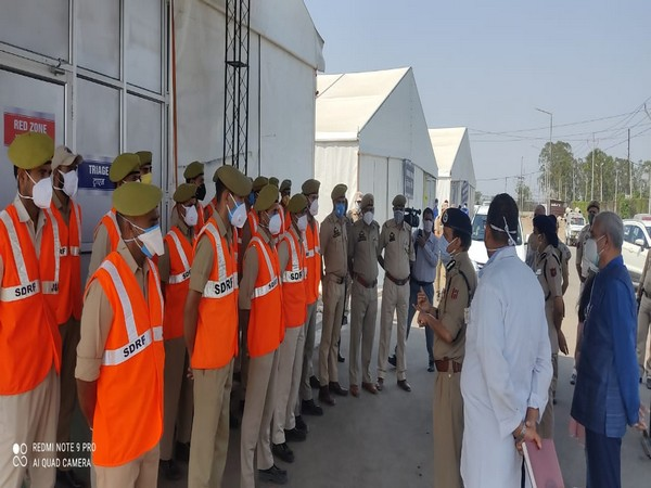 DGP addressing SDRF personnel on COVID duty.