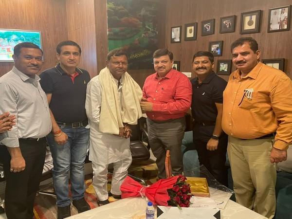 Delegation of CCI Jammu meets MoS Pankaj Choudhary.