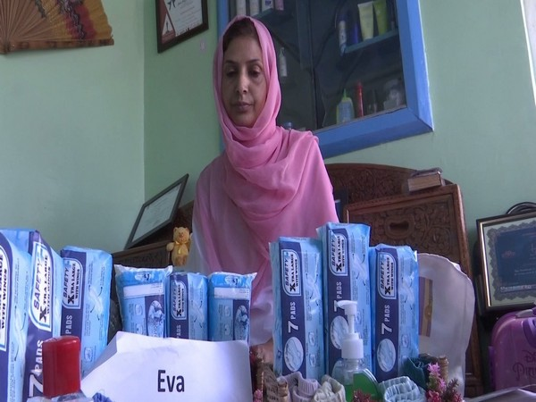 Irfana Zargar is distributing free of cost sanitary kits to women and young girls in Srinagar. Photo/ANI