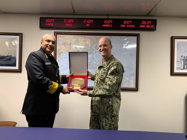 Flag Officer Commanding Eastern Fleet called on US 7th Fleet Commander