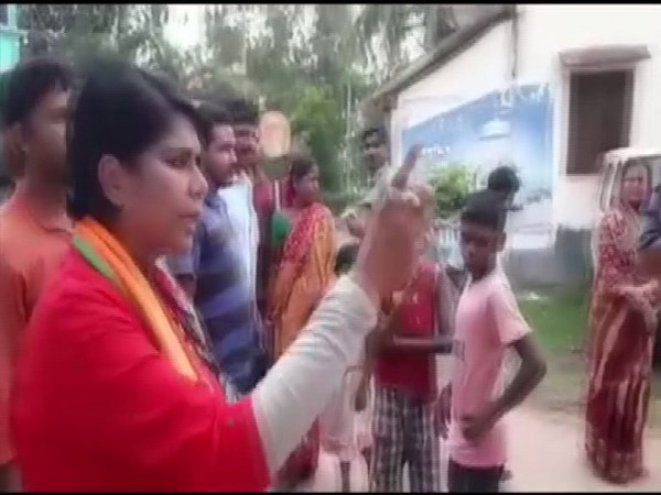 Former IPS and BJP candidate threatens TMC workers in Anandapur, West Bengal. Photo/ANI