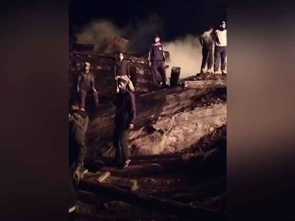 Indo-Tibetan Border Police (ITBP) personnel rescued people who were stranded in the fire in Kinnaur district of Himachal Pradesh. Photo/ANI