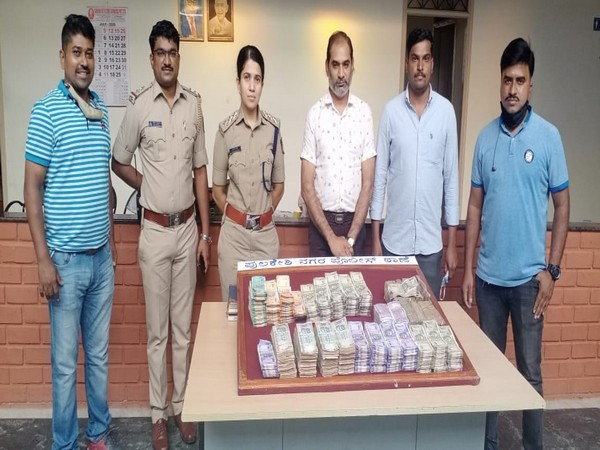 Rs 38 lakh in cash recovered from four accused in Bengaluru city. (Photo: Twitter)