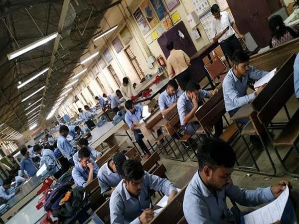 Students at ITI Pusa