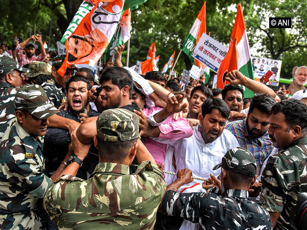 IYC members protesting near the residence of Finance Minister Nirmala Sitharaman on Friday.  (Photo/ANI)