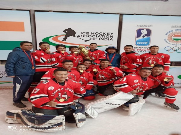 Army Red team lifts National Ice Hockey Championship title