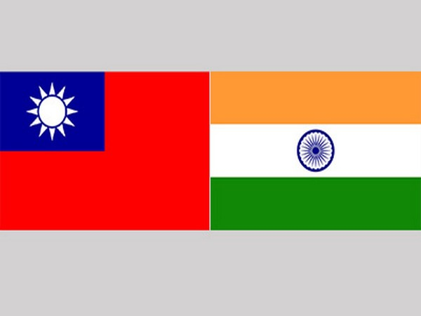 Taiwan and Indian flags