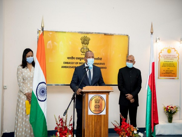 Prime Minister of Madagascar Christian Ntsay inaugurating the solar power plant at Indian Embassy on the occasion of Gandhi Jayanti.