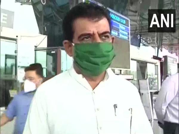 Indore BJP MP Shankar Lalwani speaking to ANI at Devi Ahilya Bai Holkar Airport on Wednesday. (Photo/ANI)