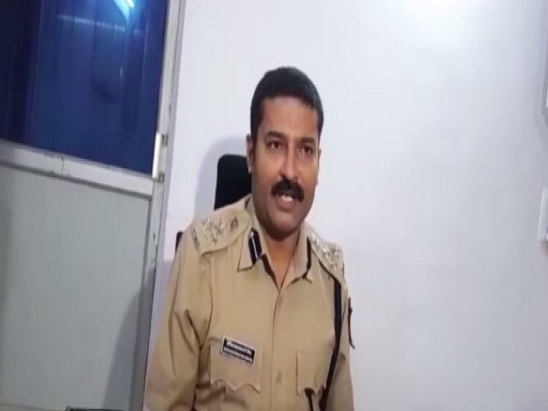 Deputy Inspector General (DIG) Indore Hari Narayan Mishra speaking to reporters. [Photo/ANI]