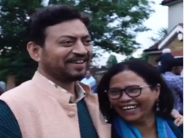Late actor Irrfan Khan with Sutapa Sikdar (Image Source: Instagram)