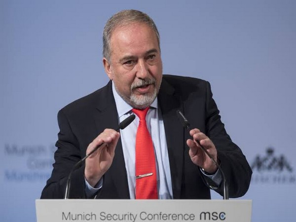 Avigdor Lieberman delivers a statement at the Knesset
