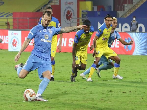 Mumbai City secured a 2-1 win over Kerala Blasters here on Wednesday (Photo/ ISL)