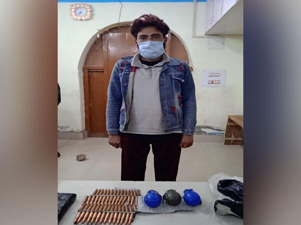 Arrested terrorist associate in J-K's Kupwara.