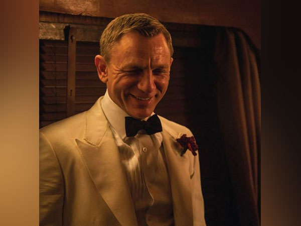 A still from 'No Time to Die' featuring Daniel Craig (Image courtesy: Twitter)
