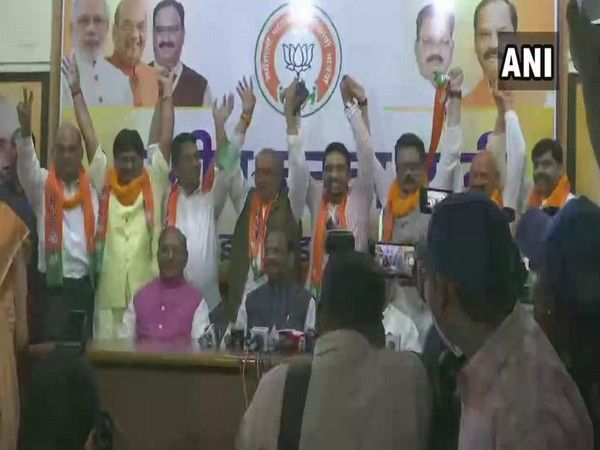 Five opposition MLAs joined BJP in Ranchi, Jharkhand on Wednesday. Photo/ANI