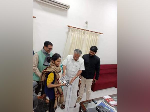 JNUSU President Aishe Ghosh along with Chief Minister of Kerala Pinarayi Vijayan at Kerala House here on Saturday.