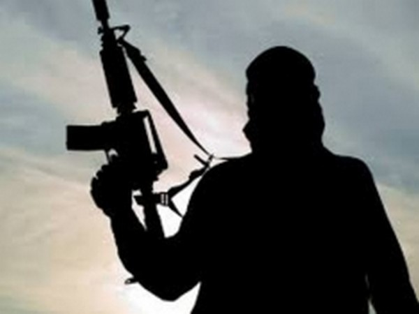 According to sources, three or four unknown militants opened fire on two Punjab-based apple traders at Trenz village in Shopian at around 7:30 pm.