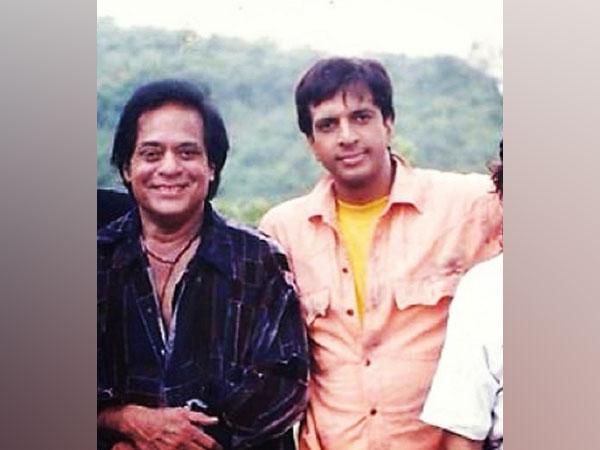 Actor, comedian Jaaved Jaaferi with his late father, actor Jagdeep (Image Source: Instagram)
