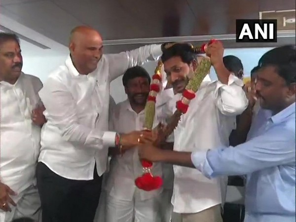YSR Congress Party chief YS Jaganmohan Reddy being felicitated by party leaders in Amaravati, Andhra Pradesh on Saturday.