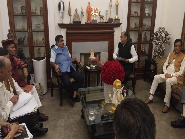 Union Minister Nitin Gadkari and Himachal Pradesh Chief Minister Jai Ram Thakur during a meeting in New Delhi on Thursday. Photo/ANI