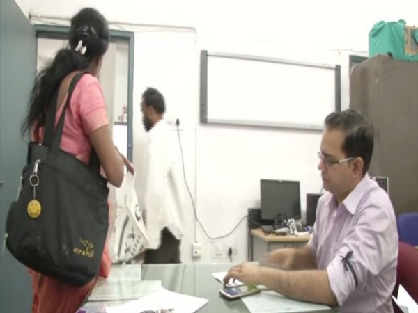 Jaipur: Doctors wearing black armband to protest against Kolkata hospital violence